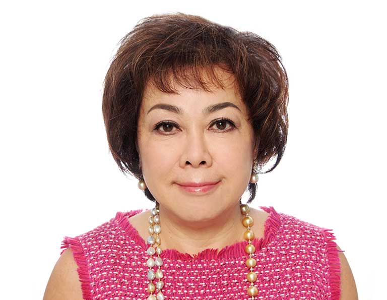 Mrs Doris Tan, one of the internationally renowned top property marketing professionals, Strawberry Star as the Regional Director for both Asia and South East Asia, based out of our Singapore office